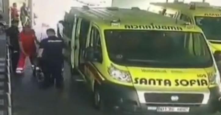 Vídeo | Se escapa un detenido cuando es trasladado por la policía al médico