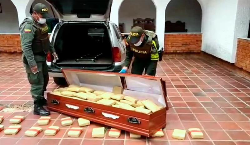 Encuentran 300 kilos de marihuana en el interior de un ataúd de un coche fúnebre