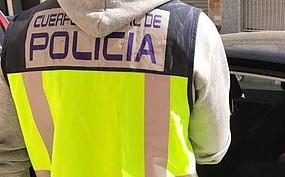 Un policía fuera de servicio evita la agresión a una mujer por parte de su pareja