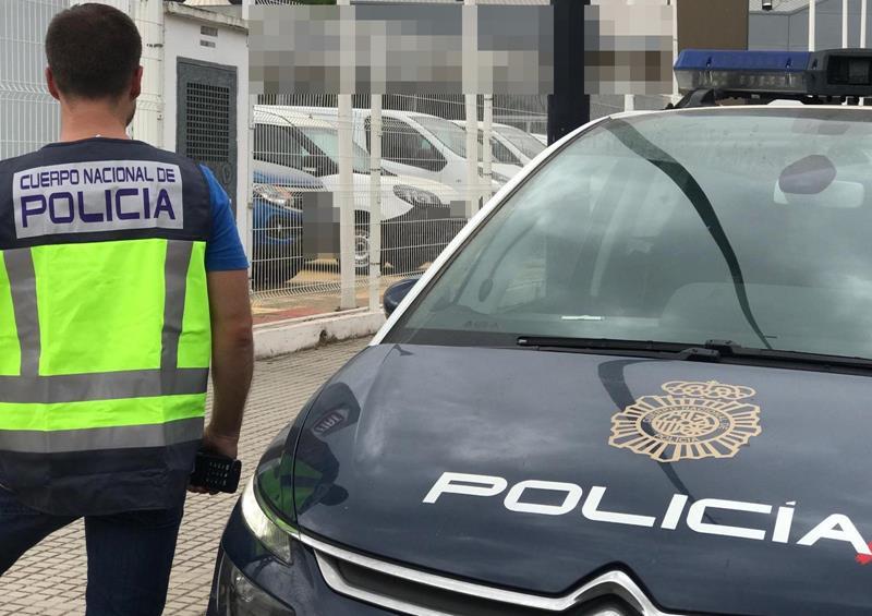 La Policía Nacional detiene en Valencia a un hombre que tosió en la cara a los agentes