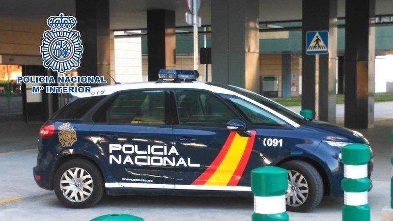 La Policía Nacional detiene a un joven tras cometer en un día varios robos a bordo de una motocicleta