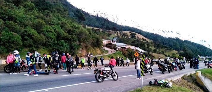 Vídeo  Aparatoso accidente en cadena de una marcha motera en Bogotá