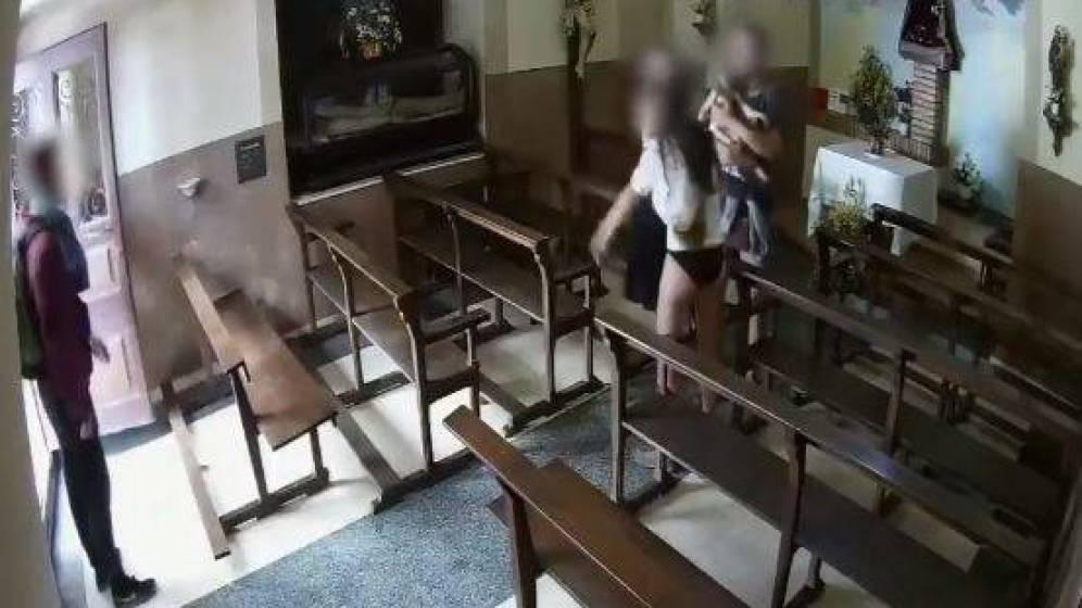 Detenidos los cuatro jóvenes que robaron un cristo de madera en una capilla