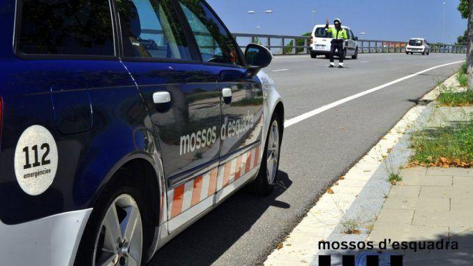 Un muerto y nueve heridos al colisionar un autobús con un turismo en Amposta