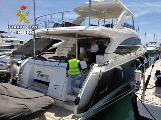 La Guardia Civil recupera una embarcación de recreo de lujo robada en el Puerto de Palma de Mallorca