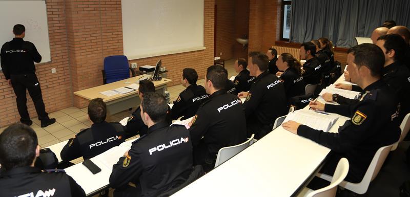 2.900 policías alumnos se incorporan hoy a la Escuela Nacional de Policía de Ávila para cumplir su sueño azul