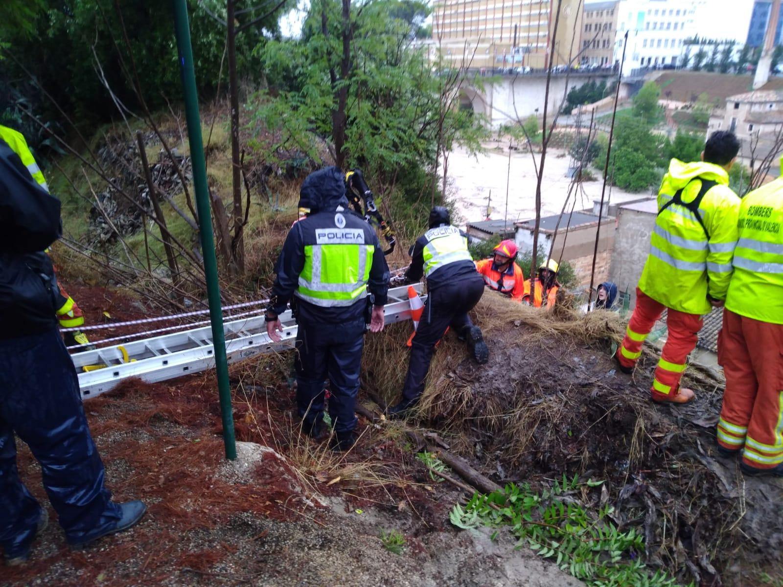 La Policía Nacional colabora en las labores de rescate como consecuencia de las lluvias