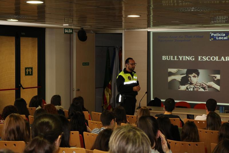 Un caso de bullying escolar acaba con dos menores detenidos en Valencia