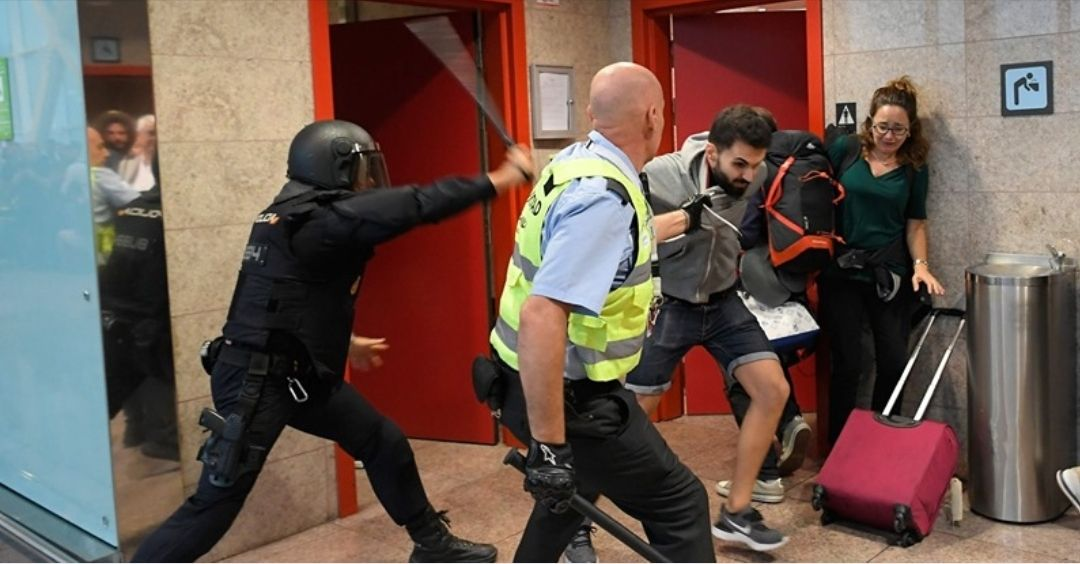 Los vigilantes de seguridad también están sufriendo las acciones violentas en Cataluña sin medios
