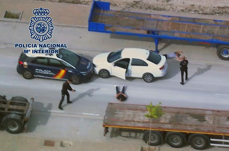Persecución por tierra y aire en Zaragoza de tres jóvenes que habían asaltado tiendas de telefonía