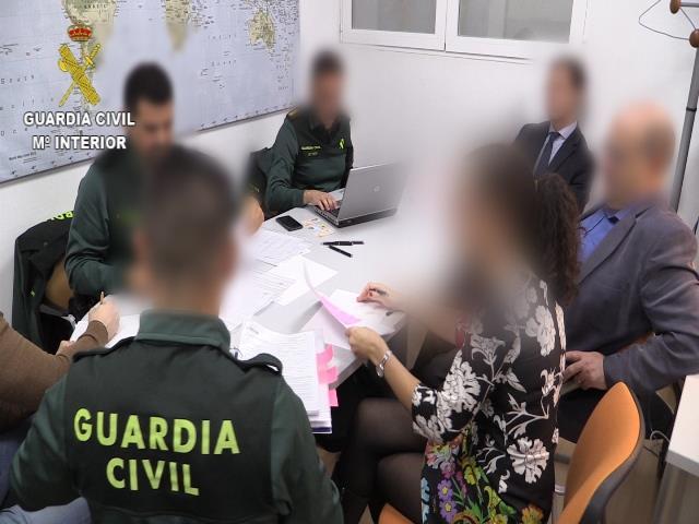 Desarticulada una red dedicada a la expedición de certificados falsos para la habilitación de guarda rural