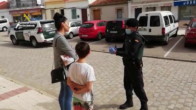 Despliegue del GRS de la Guardia Civil por varios pueblos de toda España