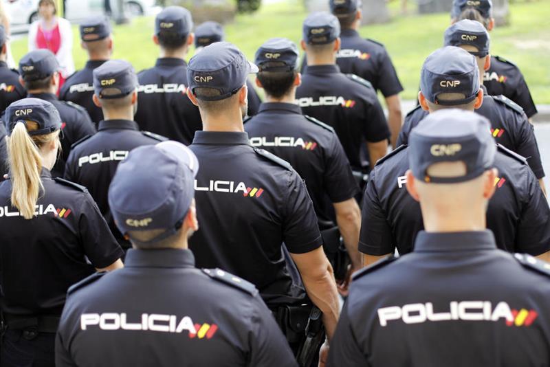 La Policía Nacional muestra cómo es el regreso a la Escuela Nacional de Policía de Ávila tras el COVID