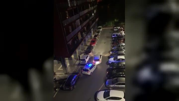 Detenido tras huir de la policía y embestir contra los coches patrulla