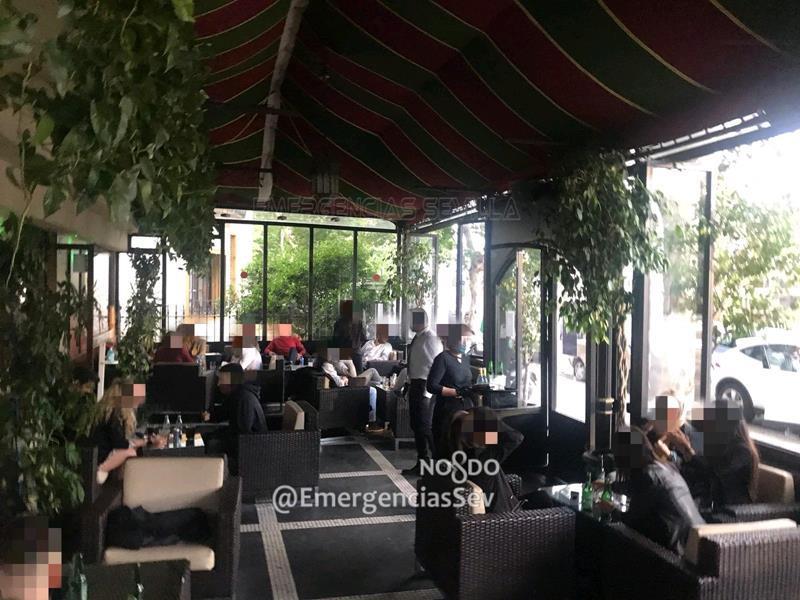 Denunciado un bar en Sevilla y desalojadas 61 personas que incumplían las medidas de la fase 1