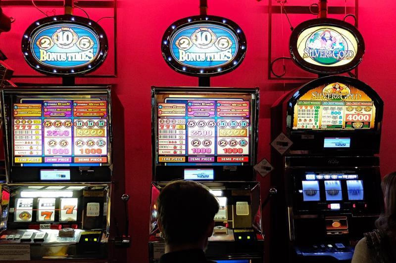 La Guardia Civil desarticula un grupo delictivo dedicado a cometer robos con violencia en casinos