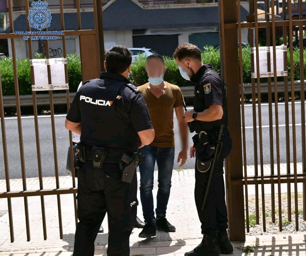 Dos detenidos por atropellar a un vigilante de seguridad de un supermercado en Palma