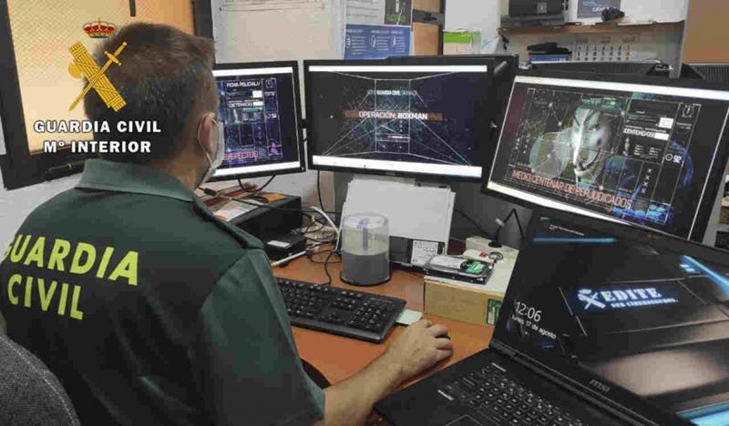 Desarticulada en Granada una red de ciberdelincuentes con más de 770.000 contraseñas compradas en la deep web
