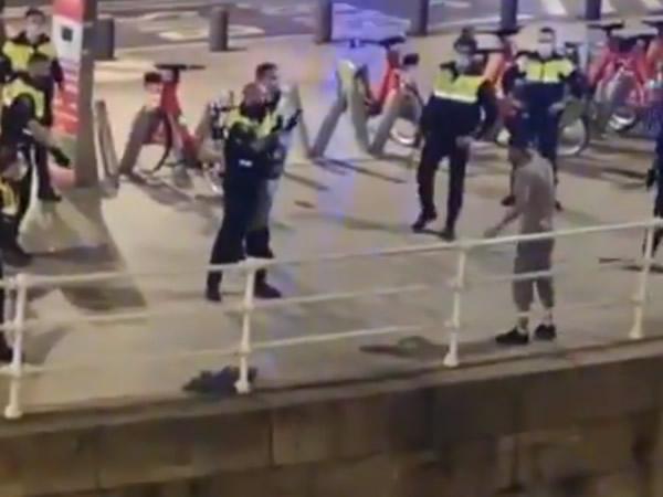 Se lanza a la Ría de Bilbao tras cometer varios delitos y amenazas con un cuchillo