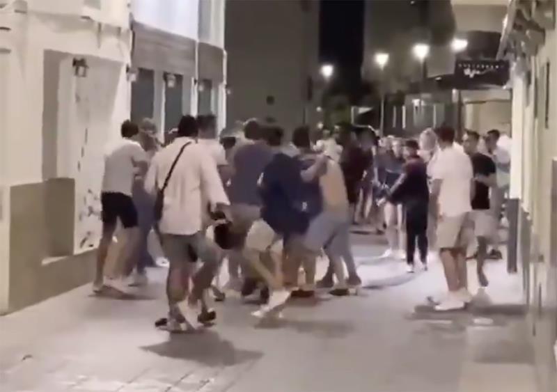 22 detenidos que agredían de forma indiscriminada a la gente que se cruzaban por la calle en Sitges