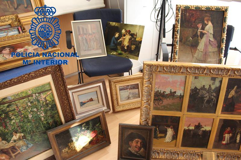 La Policía Nacional recupera 68 obras de arte de pintores valencianos y detiene a un hombre