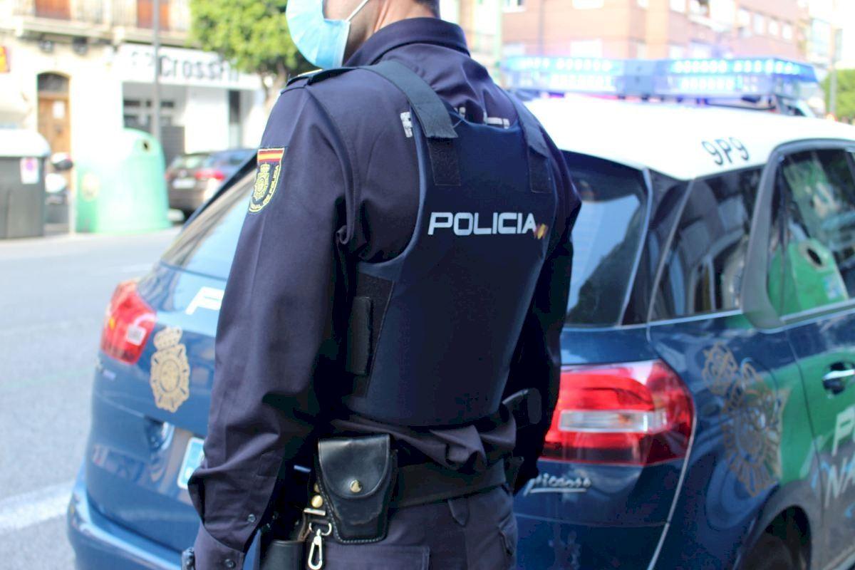 La Policía Nacional detiene a un masajista por abusar sexualmente de dos clientas