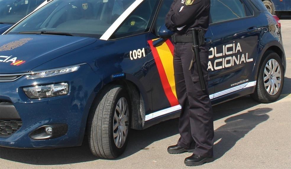 """La Policía Nacional detiene a dos varones por cometer alrededor de 50 robos por el método de la """"siembra"""""""