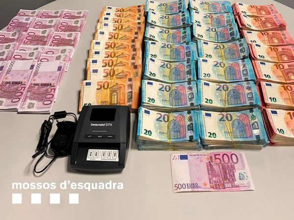 Los Mossos abortan una estafa que empleaba el método del Rip Deal en Barcelona de 150.000 euros