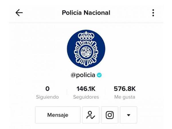 """El TikTok  de la Policía Nacional  alcanza los 20.000 """"me gusta"""" al día y obtiene la verificación azul"""