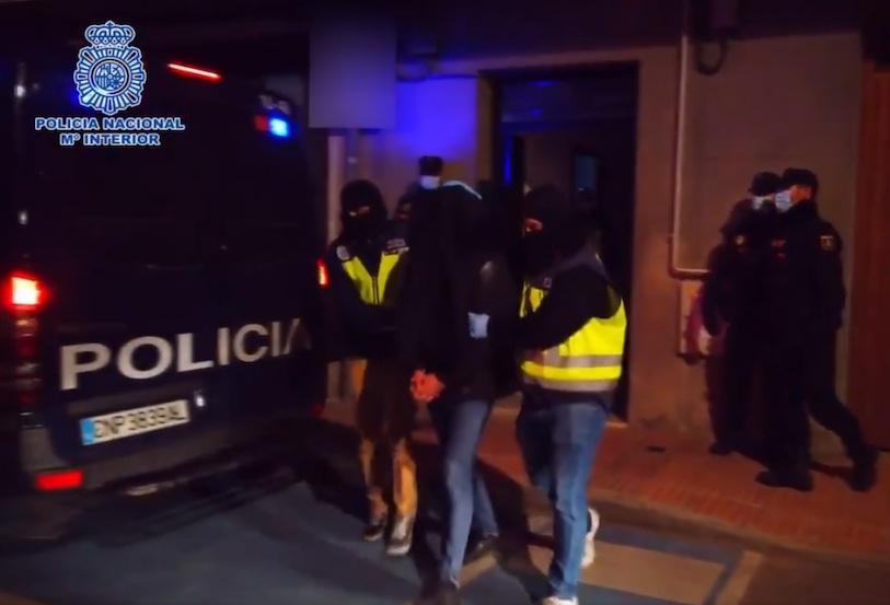 La Policía Nacional detiene en Madrid a un imán profesor de una madrasa por su actividad pro DAESH