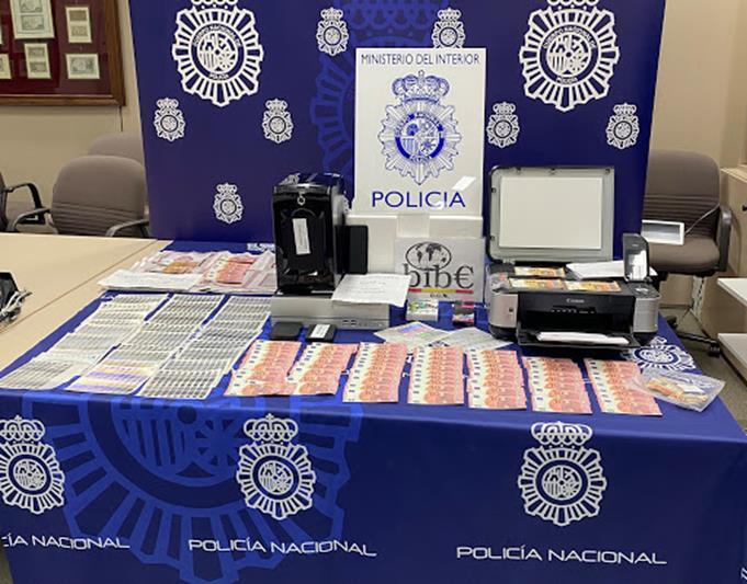 Detenido un menor por fabricar y vender billetes falsos de 10, 20 y 50 euros