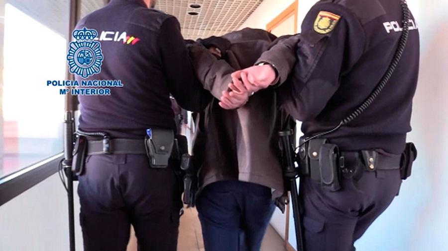 Propina un cabezazo en el pómulo a un Policía Nacional y se niega a abandonar un hospital en Valencia