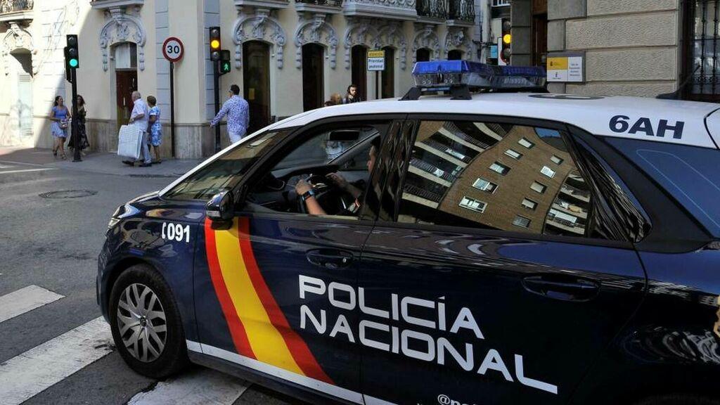 La Policía Nacional detiene a un hombre por usurpar la identidad de un conocido músico en una conocida red social