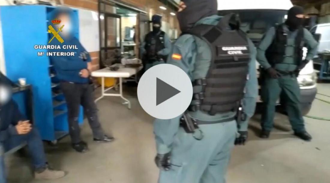 Un taller clandestino en Ávila dedicado a fabricar dobles fondos para ocultar droga