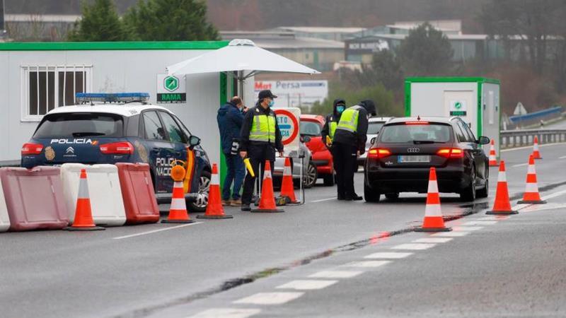 Detenidos en La Junquera a 31 ciudadanos rumanos por justificar el viaje con certificados PCR falsos