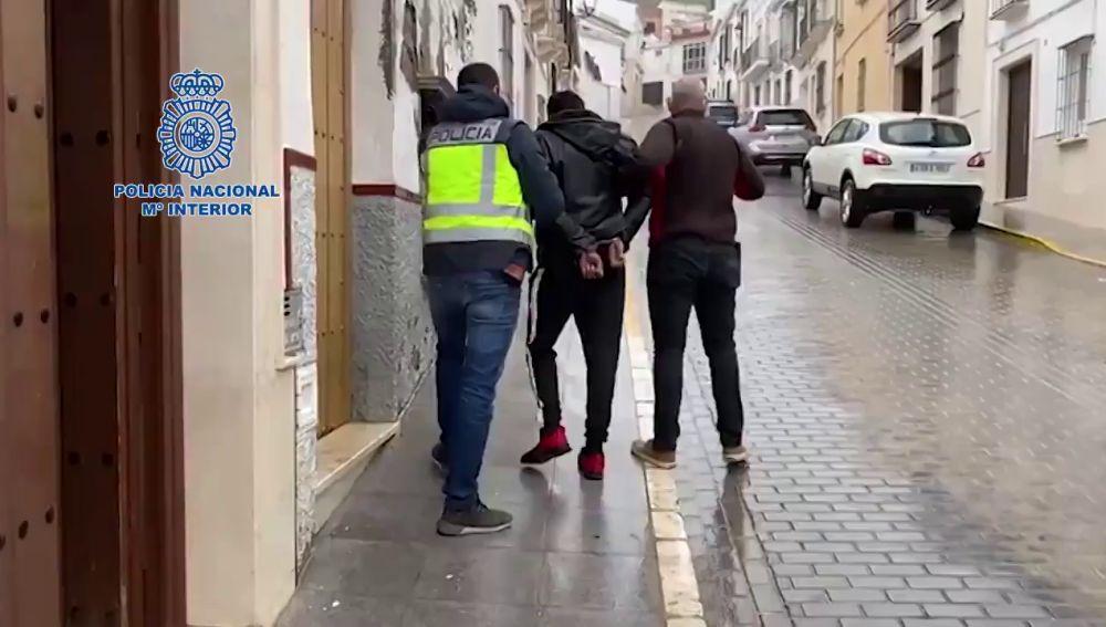Liberada una mujer en Sevilla antes de ser obligada a prostituirse por su pareja sentimental