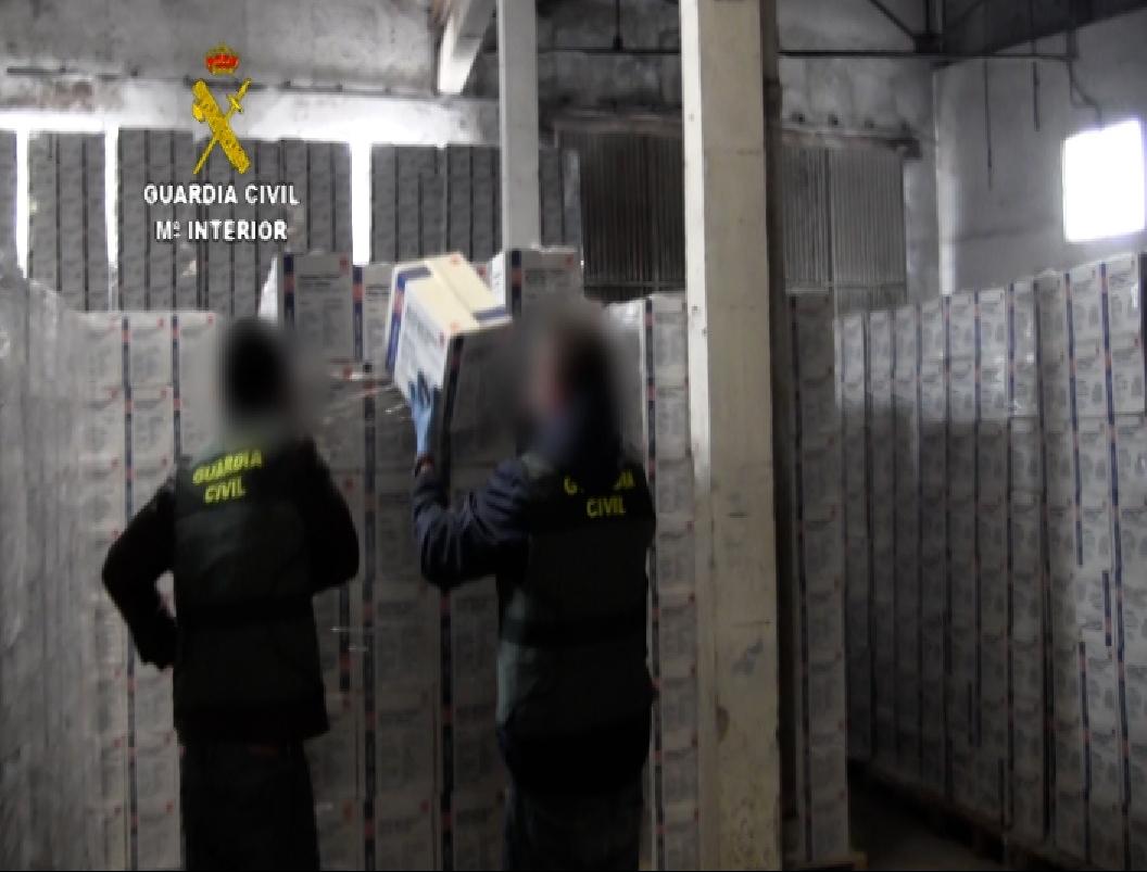 La Guardia Civil desarticula una red que había estafado cerca de 3 millones de euros con la venta de material sanitario de protección