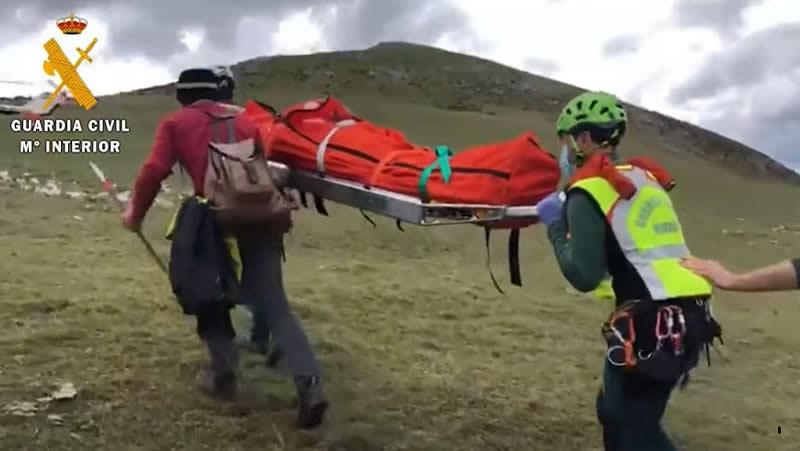 Rescate de un pastor que sufrió un infarto en una zona de difícil acceso de La Rioja