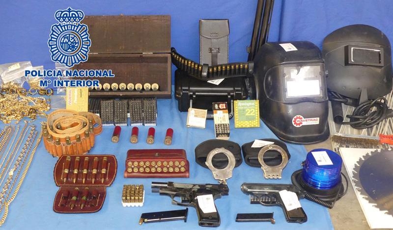 La policía desarticula un grupo dedicado al robo con fuerza en empresas de Castilla y León