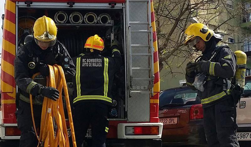Muere un hombre en el incendio de una nave industrial en San Roque