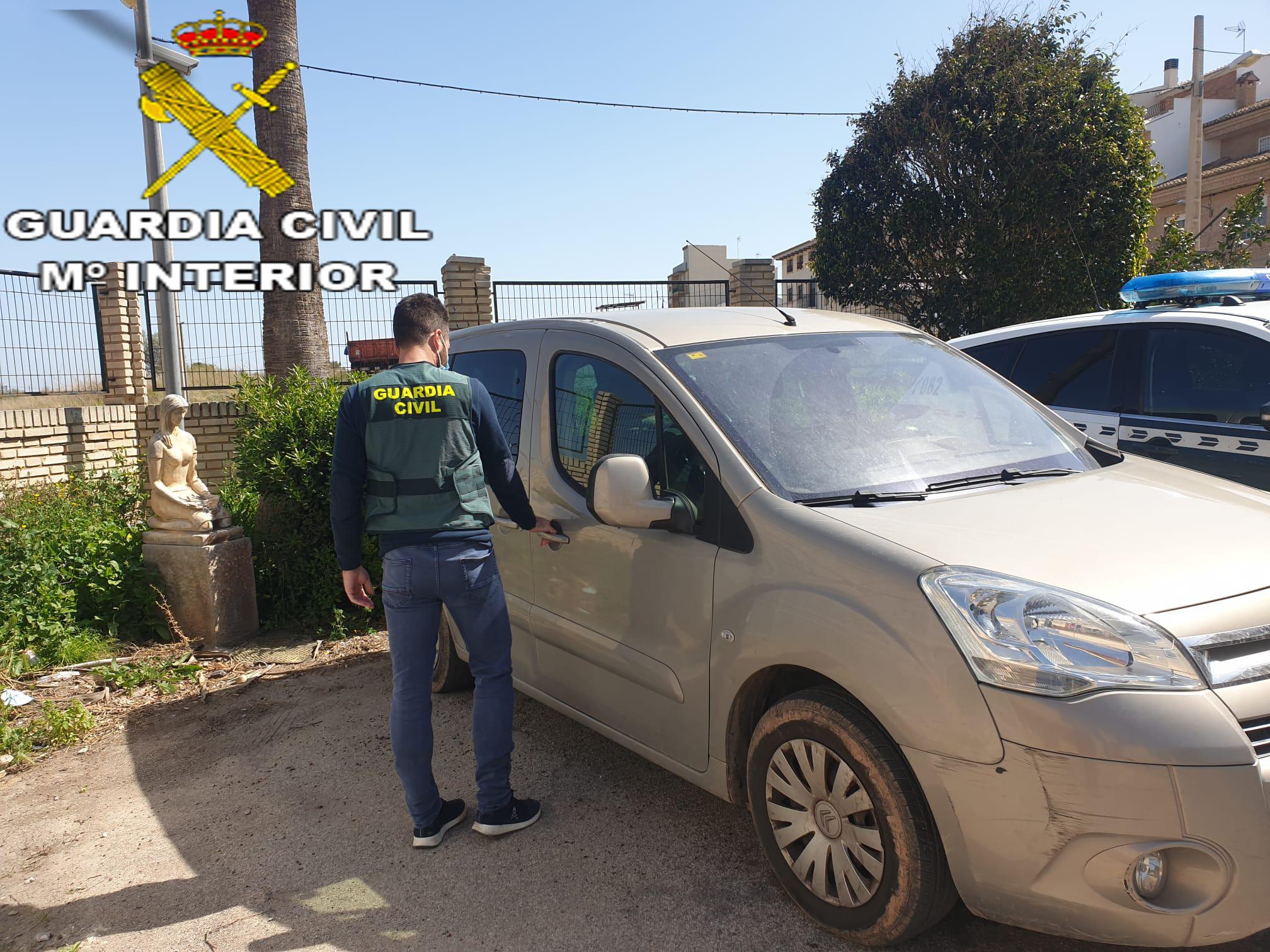 La Guardia Civil detiene a dos personas implicadas en 25 robos con fuerza en Bétera y Náquera