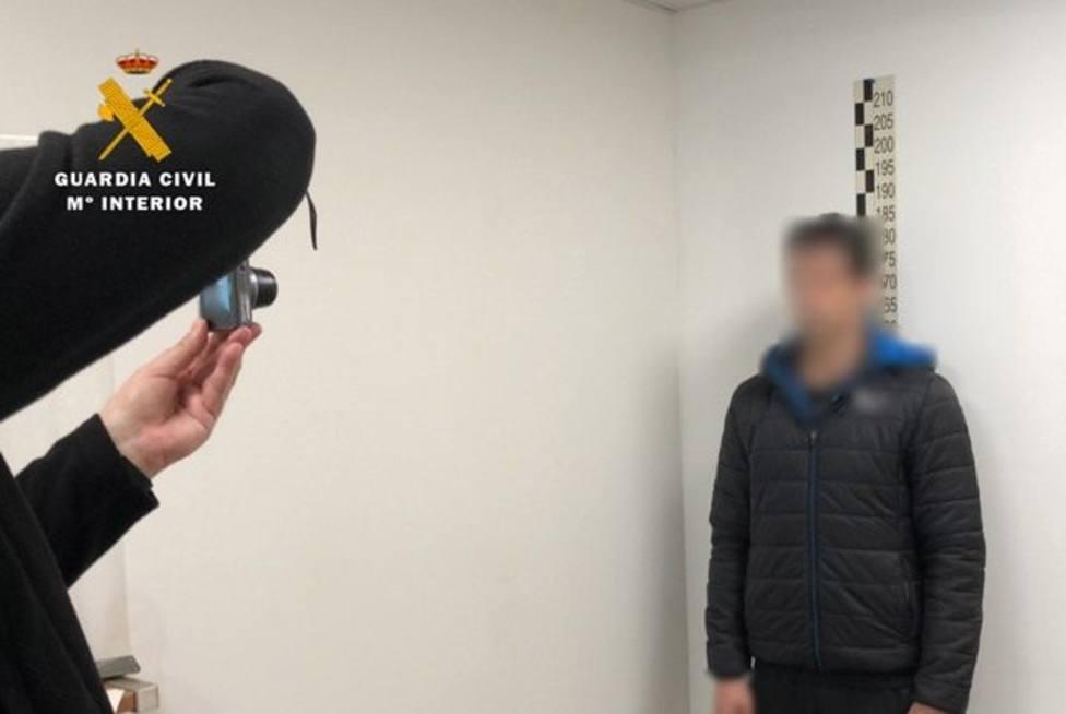 35 detenidos por abusar sexualmente de menores con los que contactaban a través de una web de citas