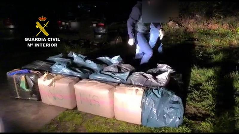 Una furgoneta elude un control en la AP-8 de Gipuzkoa y le encuentran 552 kilos de hachís