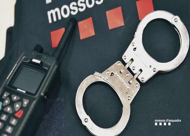 Detenidas cuatro personas en Reus por estafar a más de 180 clientes de un banco con reintegros fraudulentos