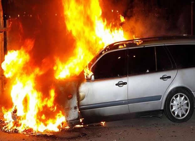 Arde un taller con 45 vehículos calcinados en Córdoba