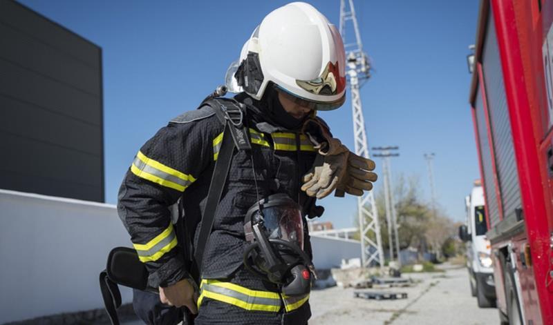 Varias personas desalojadas tras el incendio de una vivienda en Almería