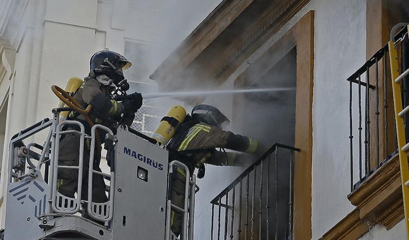 Fallece niño de 3 años en el incendio de una vivienda en El Puerto de Santa María
