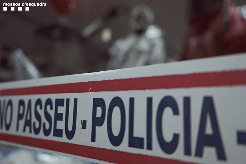 Los Mossos investigan el homicidio de una mujer en Corbera de Llobregat