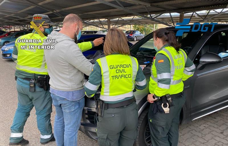Desarticulado un grupo organizado dedicado a copiar en los exámenes del permiso de conducir