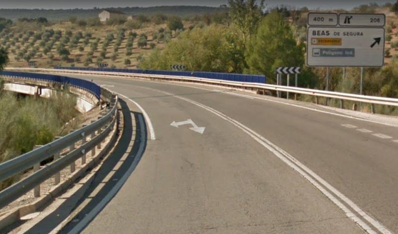 Un hombre fallecido y otros dos heridos en una colisión con tres turismos implicados en Beas de Segura (Jaén)